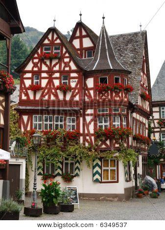 Altes Haus (casa), de 1368 en Bacharach, Alemania