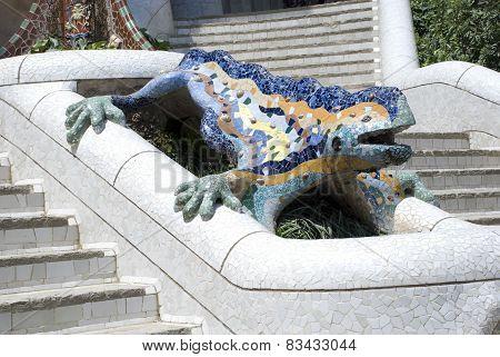 Dragon at Park Güell entrance fountain