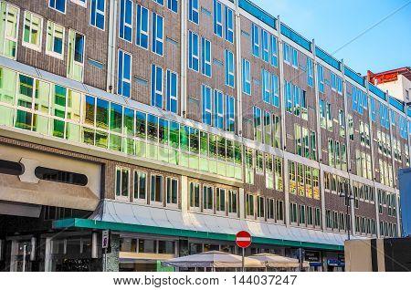 Ina Building Milan (hdr)