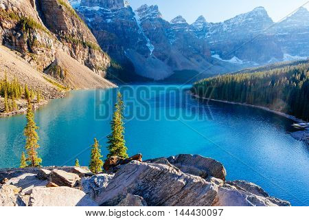 Moraine Lake, Lake Louise, Banff National Park, Alberta, Canada