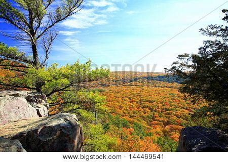 Autumn scenic overlook off hiking trail at Devil's Lake State Park, Wisconsin