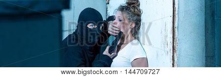 Gunman Wants To Kill Woman