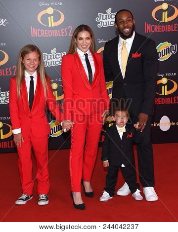 LOS ANGELES - JUN 05:  Allison Holker, Stephen Boss, Maddox Laurel Boss and Weslie Fowler arrives to the