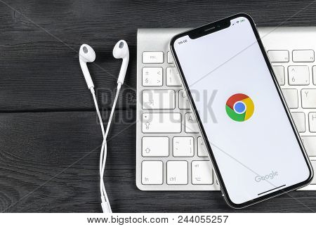 Sankt-petersburg, Russia, June 2, 2018: Google Chrome Application Icon On Apple Iphone X Screen Clos