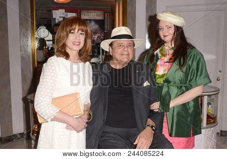 LOS ANGELES - JUN 2:  Lee Purcell, Paul Sorvino, Dee Dee Sorvino at the Rich Little signs