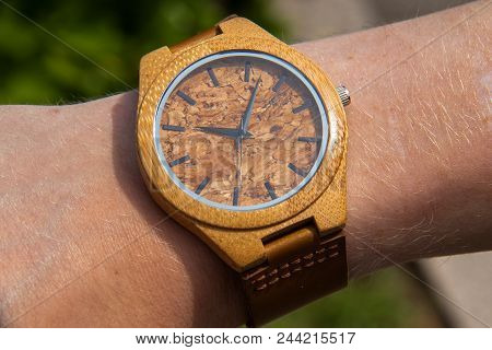 Hand Made Watch Made Of Bamboo And Glass