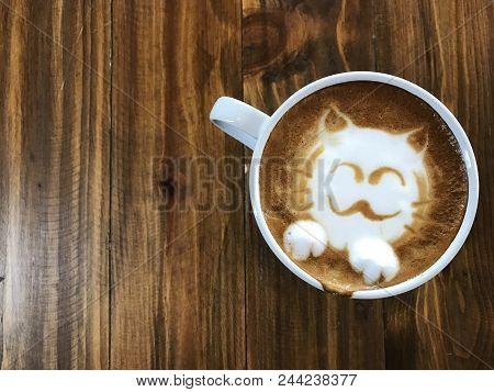 Cute Cat Face Latte Art Coffee In White Cup On Wooden Table ; Love Coffee, Cute Neko Latte Art Coffe