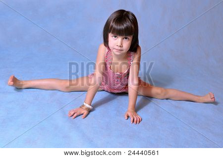 Little Girl Doing The Splits