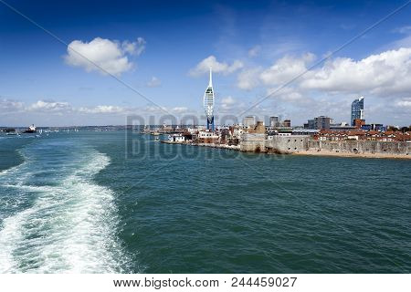 Portsmouth, Hampshire, Uk - July 4, 2015: Portsmouth Coastline From The Solent With The Spinnaker To