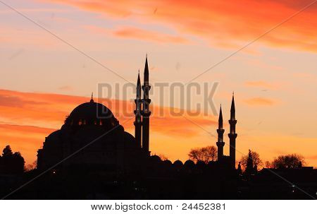 Silhouette of Suleymaniye Mosque in Istanbul, Turkey. poster
