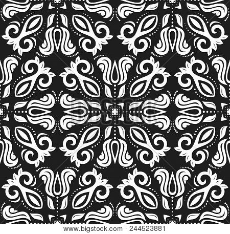 Classic Seamless Pattern. Traditional Orient Black And White Ornament. Classic Vintage Background