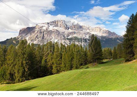 Tofana, Tofano Or Le Tofane Gruppe, Alps Dolomites Mountains, Italy