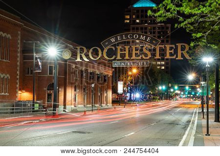 Rochester, Ny - May 14, 2018: Welcome To Rochester Sign Along South Clinton Avenue In Downtown Roche