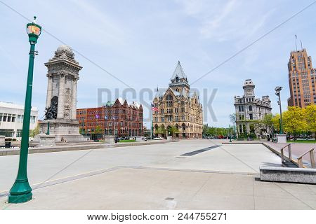 Syracuse, Ny - May 14, 2018:  Clinton Square In Downtown Syracuse, New York