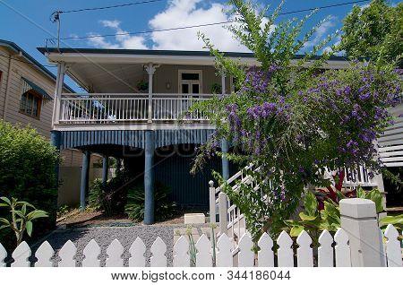 Brisbane, Queensland, Australia - 29th October 2019 : Picture Of A Typical Old Queenslander House Ca