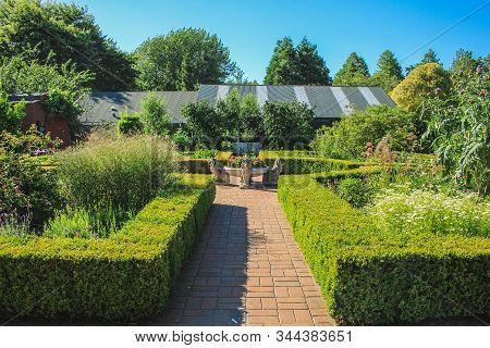 Hamilton, New Zealand - December 28th 2016: The Beautiful Hamilton Gardens Are Decorated With Many L