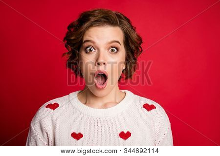 Close Up Photo Of Astonished Crazy Girl Look Incredible Novelty Impressed Scream Open Mouth Wear Goo