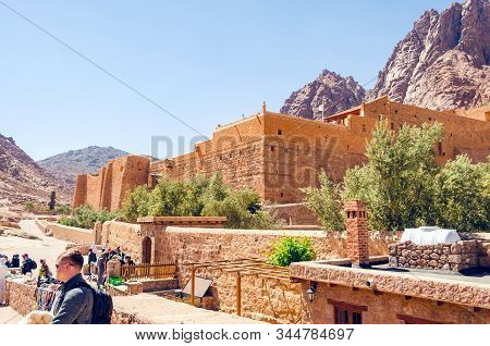 Sinai Peninsula, Egypt, May 9, 2019: Tourists On An Excursion To The Monastery Of St. Catherine.