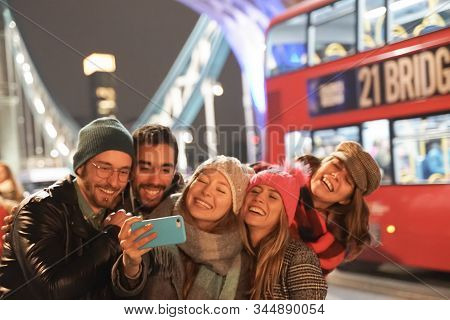 Group Of Best Friends Having Fun On City Street. Group Of Student People Making Photos And Selfies O