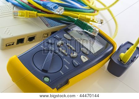 Cable Tester Troubleshoots And Qualifies Cabling Speed