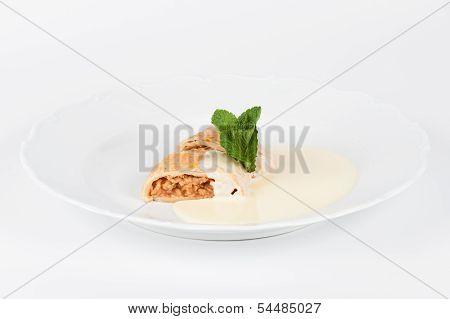 Apple Strudel With Vanilla Cream