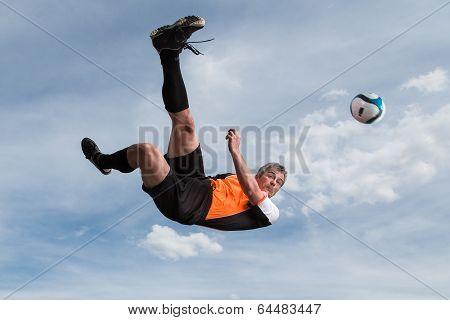 Fußballer beim Torschuß