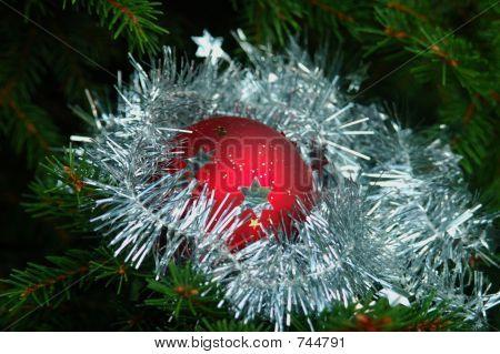red christmasball