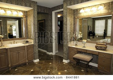 Stylish bathroom decor