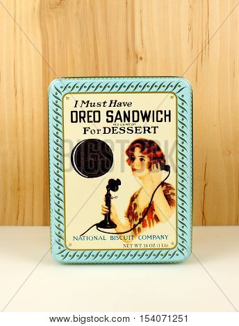 RIVER FALLS,WISCONSIN-OCTOBER 30,2016: A vintage Oreo Sandwich tin with a wood background.