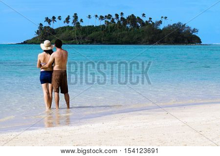 Young Happy Couple On Vacation In Pacific Island