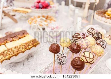 Wedding chocolate pops wedding dessert table, sweets ball
