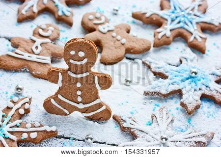 Gingerbread man and snowflake Christmas ginger cookies
