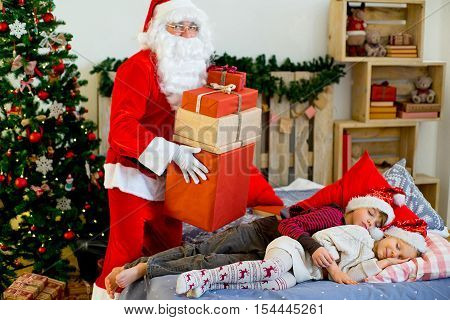 Santa Claus Quietly Came To The Children Who Are Sleeping