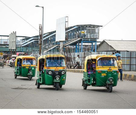 Rickshaw Three-weeler Tuk-tuk Taxis In India