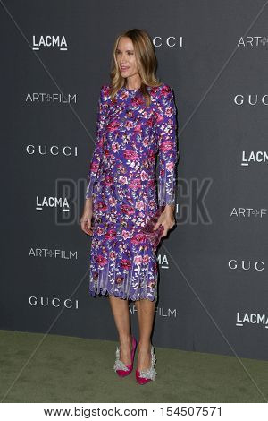 LOS ANGELES - OCT 29:  Kelly Lynch at the 2016 LACMA Art + Film Gala at Los Angeels Country Museum of Art on October 29, 2016 in Los Angeles, CA
