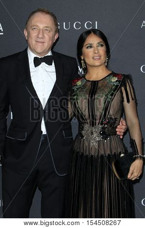 LOS ANGELES - OCT 29:  Francois Henri Pinault, Salma Hayek at the 2016 LACMA Art + Film Gala at Los Angeels Country Museum of Art on October 29, 2016 in Los Angeles, CA