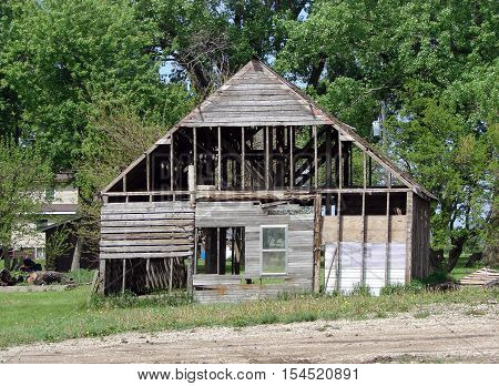 An abandoned building on a abandoned farmstead.