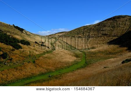 Gorgeous hiking trail in Edinburgh up Arthur's Seat