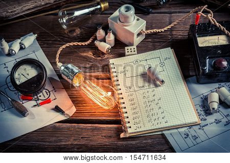 Experience in electrical lab at school on old wooden table