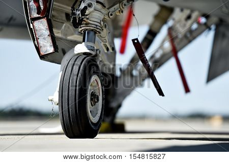 F16 Fighting Falcon aircraft detail with landing gear
