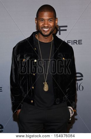 LOS ANGELES - OCT 24:  Usher arrives to the InStyle Awards 2016 on October 24, 2016 in Hollywood, CA