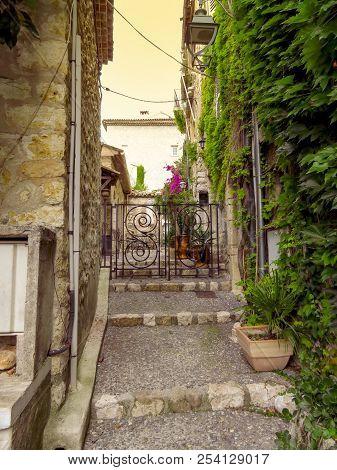 Saint Paul De Vence - Streets And Architecture