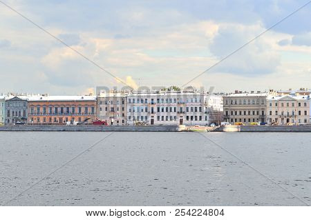 Russia, Saint-petersburg. Beautiful Neva Embankment In A Cloudy Summer Day