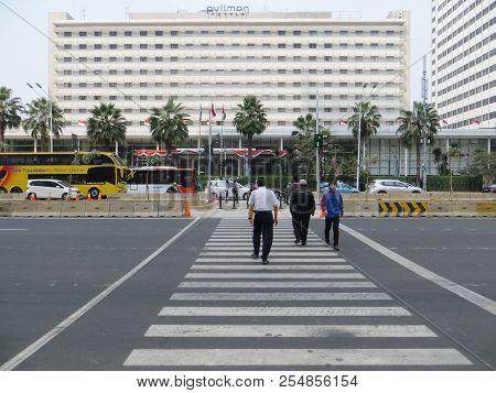Jakarta, Indonesia - August 2, 2018: The Pelican Crossing At Jalan Thamrin Around Bundaran Hotel Ind