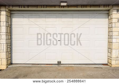 Automatic White Garage Door Pvc Or Plastic Garage Door