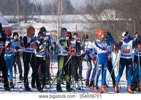 Russia Berezniki-01.05.2018: Right After The Start Of The Ski Marathon In Cross- Country Skiing, In