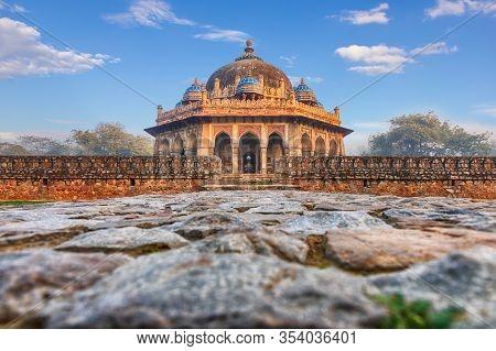 Isa Khans Tomb Near The Humayuns Tomb In India, New Dehli