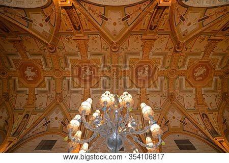 Palm Beach, Fl, Usa - Jan. 2, 2015: Ceiling Of Grand Lobby Inside Breakers Hotel. Breakers Hotel Is