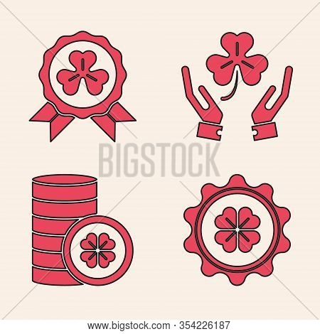 Set Bottle Cap With Four Leaf Clover, Medal With Four Leaf Clover, Human Hands Holding Four Leaf Clo