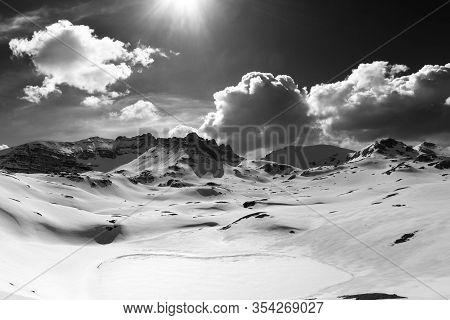 Plateau And Lake Covered Snow. Turkey, Central Taurus Mountains, Aladaglar (anti-taurus), Plateau Ed